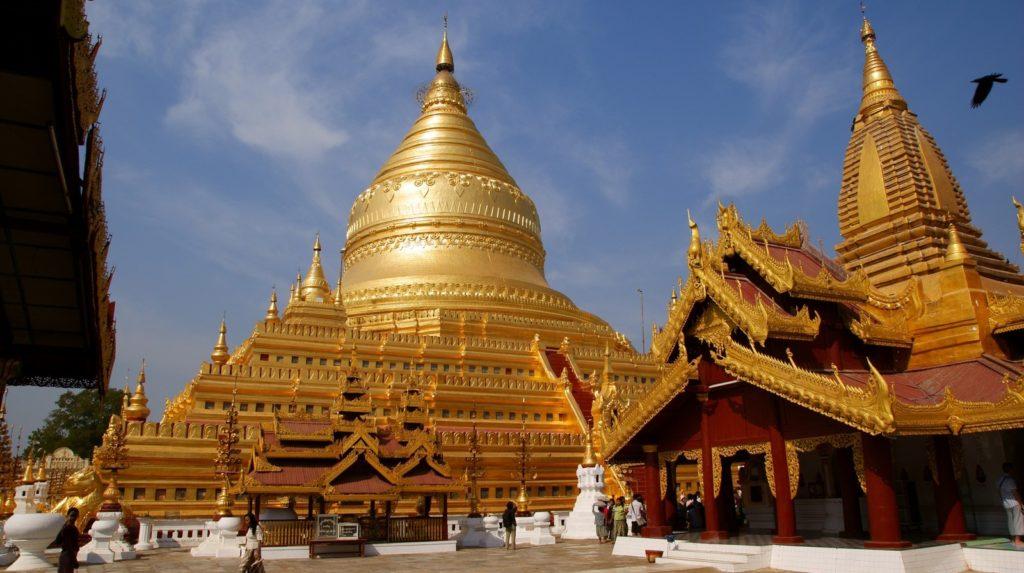 Золотая пагода в Багане